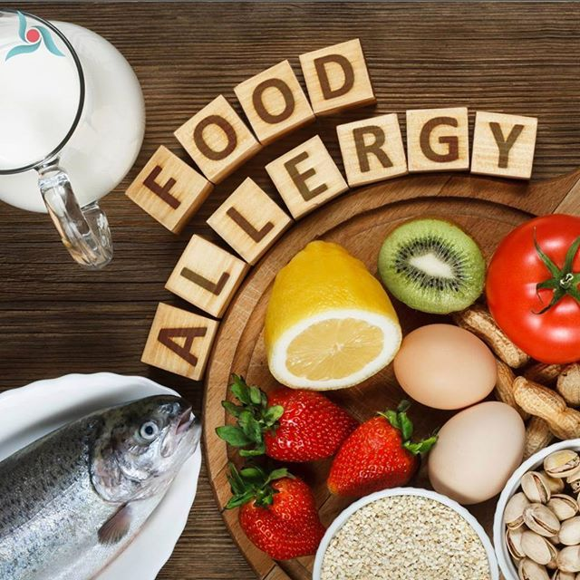 How do allergists tell which foods make people sick?  . Some people may know what foods cause them allergies but aren't certain.  Finding out what you are allergic to is an important first step to effective allergy treatment .Your allergy treatment will typically begin with a complete medical history.  . If you.. Have symptoms after eating food Develop rashes or feel itchy Feel sick Allergy to pollen in the air such as ragweed pollen can be the cause of the swelling or itching in your mouth…