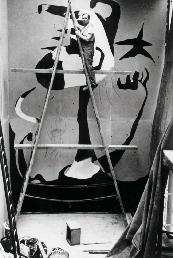 Joan Miró painting The Reaper for the Spanish Republican Pavilion at the Paris World Fair in 1937 to protest against Franco