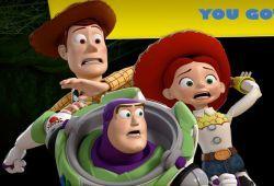 Después de que los juguetes de Toy Story se reencontraron, el malvado vecino de Andy ha vuelto a secuestrar al dinosaurio para hacer de las suyas. Ahora Woody, Buzz Lightyear y Jessie tendrán que jugar al juego de terror de Disney para recuperara a sus amigos.