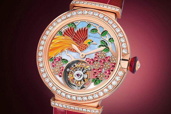 Номинанты в категории «Лучшие декоративные часы». Bulgari LVCEA Tourbillon Il Giardino Paradiso в корпусе из розового золота украшены 45 бриллиантами. Тираж 50 экземпляров, 105 000 франков