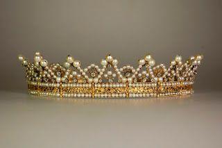 Manekis pärlblogg: Mönstertips: Krona, krans och tiara