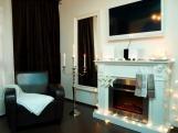 """MIDNIGHT COFFEE"" - Doreen Midnight Coffee Barock Apartment mit Kamin Balkon Kingsize Bett"
