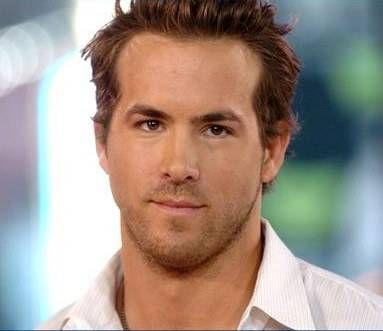 Ryan Reynolds sale a la defensa de los hombres feos
