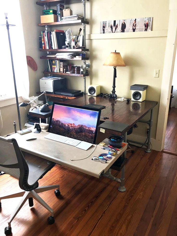 DIY desk for a designer, with shelves and storage space. –  #designer #Desk #DIY #shelves #sp…