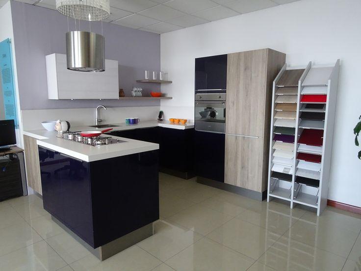 TRAZO & SPAZIO S.A. es una empresa que Diseña, Fabrica, Instala y Comercializa Cocinas Integrales, Muebles de baño, Muebles de Carpintería Arquitectónica y Puertas de Paso, amigable con el Medio Ambiente.