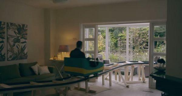 Installer des montagnes russes dans une maison à vendre pour trouver des acheteurs plus rapidement.