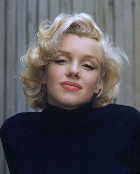 The Marilyn Old Hollywood Glamour is so classic :)