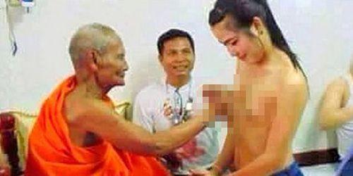 Raba Dada Wanita, Biksu Tua Gegerkan Thailand: http://www.kabarsatu.co/archives/7870