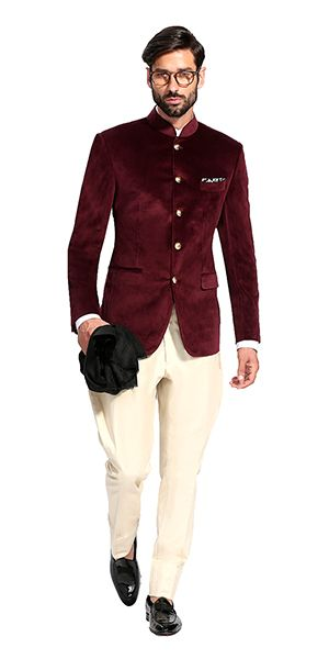 Elegant wedding suits for grooms to make sure you are at your stylish best on your big day. Take a look at hundreds of groom clothing designs at https://www.herringboneandsui.com/.