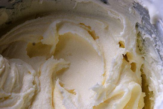 Vanilla frozen yoghurt
