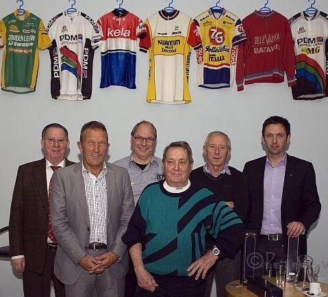 Wielercafé RHCe 2010: Jan Peeters, Jos van der Vleuten (†), Jan Suijkerbuijk, Piet Damen, Jan Gisbers, John van den Akker