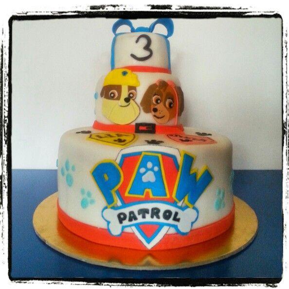 Torta compleanno alla vaniglia e marmellata