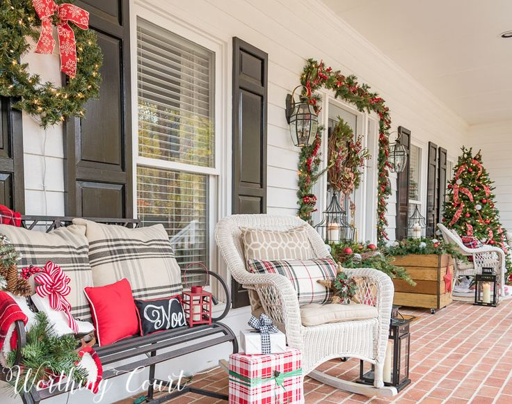 Urban farmhouse front porch decorated for Christmas    Worthing Court