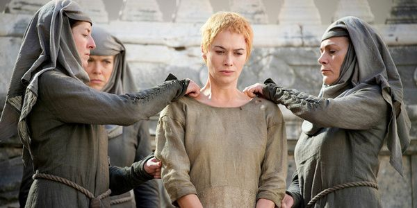 HBO's Game of Thrones is one of the biggest shows in the world, and the stars are bound to run into fans everywhere they go. Lena Headey plays Cersei Lannister, who spent six seasons fighting her way to the top in King's Landing. Rather memorably, Cersei was forced to have her hair...