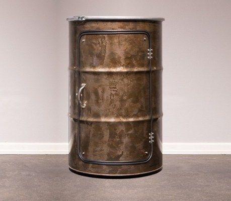 Die neuen Hingucker deiner Wohnung: Hängeleuchten, Couchtische, Schränke & Wanduhren im Industriestil, die einmal Ölfässer waren