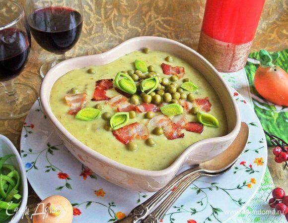 Суп-пюре картофельный с горошком и беконом  Густой и сытный суп с зеленым горошком и беконом понравится всем домашним. Картофель частично можно заменить сельдереем, вместо сливок добавить молоко. На приготовление этого блюда уйдет минимум времени, а набор ингредиентов есть у каждой хозяйки. #готовимдома #едимдома #кулинария #домашняяеда #суппюре #картофельный #горошек #зеленый #бекон #сытноивкусно #обед #длявсейсемьи