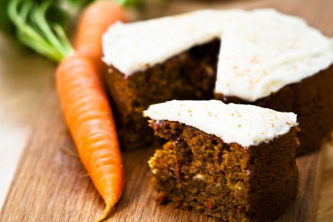 Gâteau aux carottes et ananas!  Par portion : 219 calories / 38 g glucides / 4 g gras / 8 g protéines / 4 g fibres