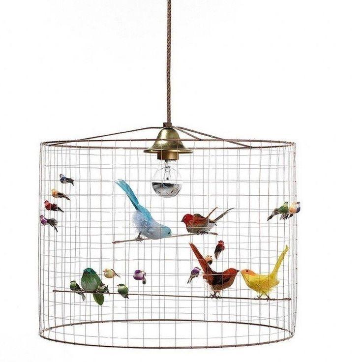 suspension design en panier métallique décorée d'oiseaux