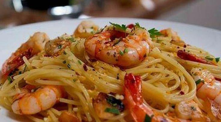 Receita rápida de esparguete com camarão! Um prato delicioso que te vai deixar viciada! | Receitas Para Todos os Gostos