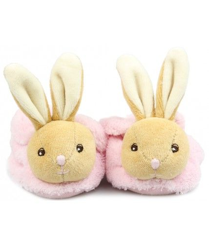 Adorable Kaloo slippers with a rattle to keep baby captivated! The unique embroidered face will captivate your little one ensuring they are kept close at hand.
