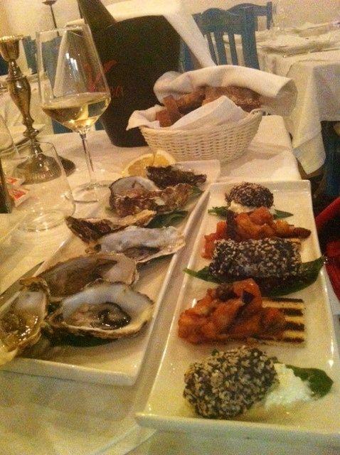 Fresh oysters, Caponata di Melanzana e involtino di tonno e semi di papavero! Ristorante Le Nasse, Reggio Calabria, ITALY www.UBais.it