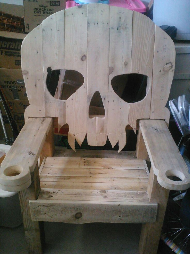 wooden pirate vampire skull chair throne by r4repurposed. Black Bedroom Furniture Sets. Home Design Ideas