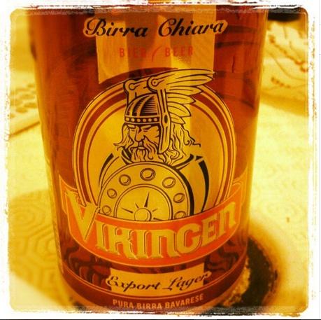 Dal carattere forte come un vero #Vikingo.... Grazie a @christiansurchi che ha scattato questa bella foto. #Birra #Beer #Vikingen