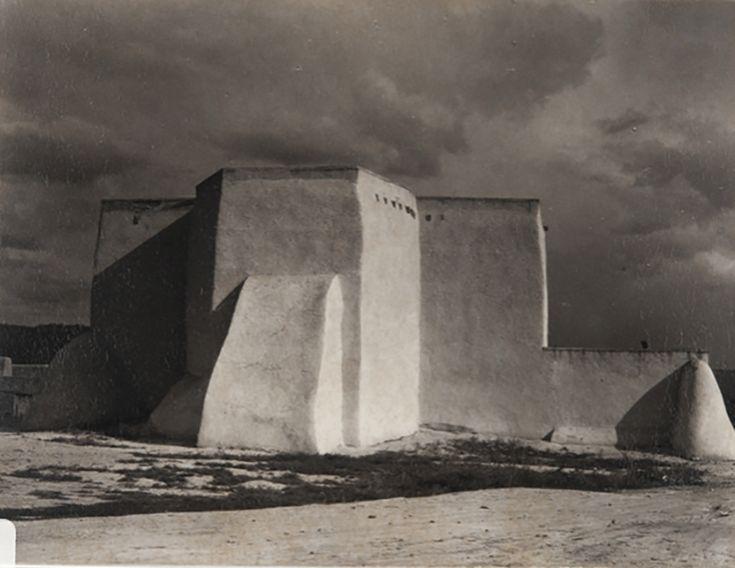 Paul Strand, der als einer der wichtigsten Fotografen des 20. Jahrhunderts gilt, lernte die Fotografie erstmals als Gymnasiast an der Universität …