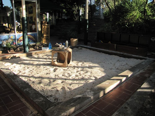 awesome sandpit at Greenhills PreSchool via playbasedlearning