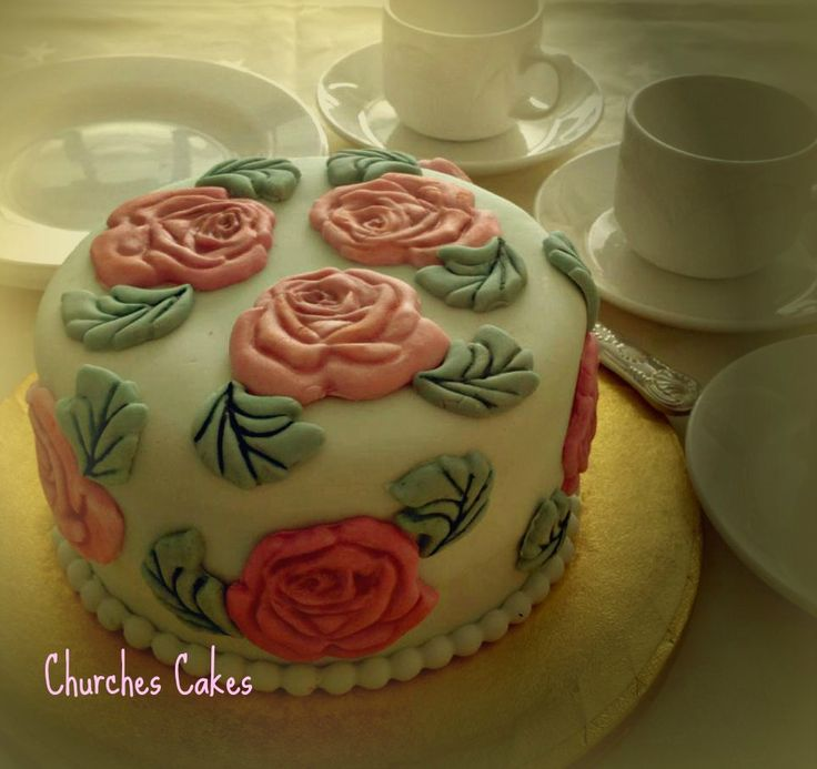 Small Vintage Rose Cake