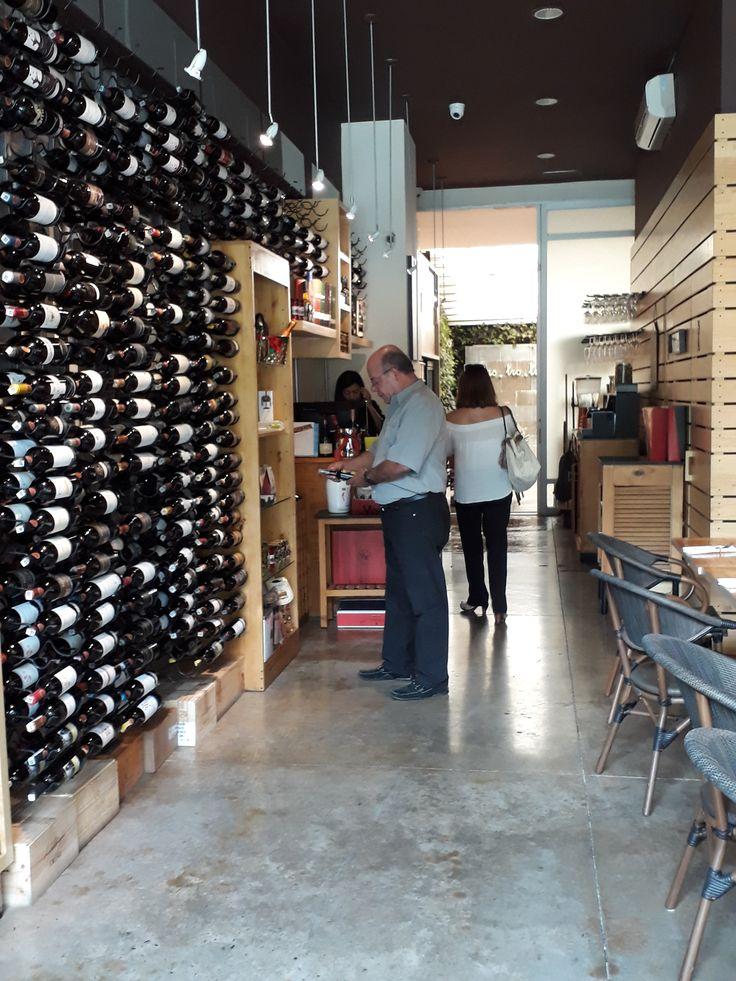 Nuestra tienda de vinos @vinosdelro