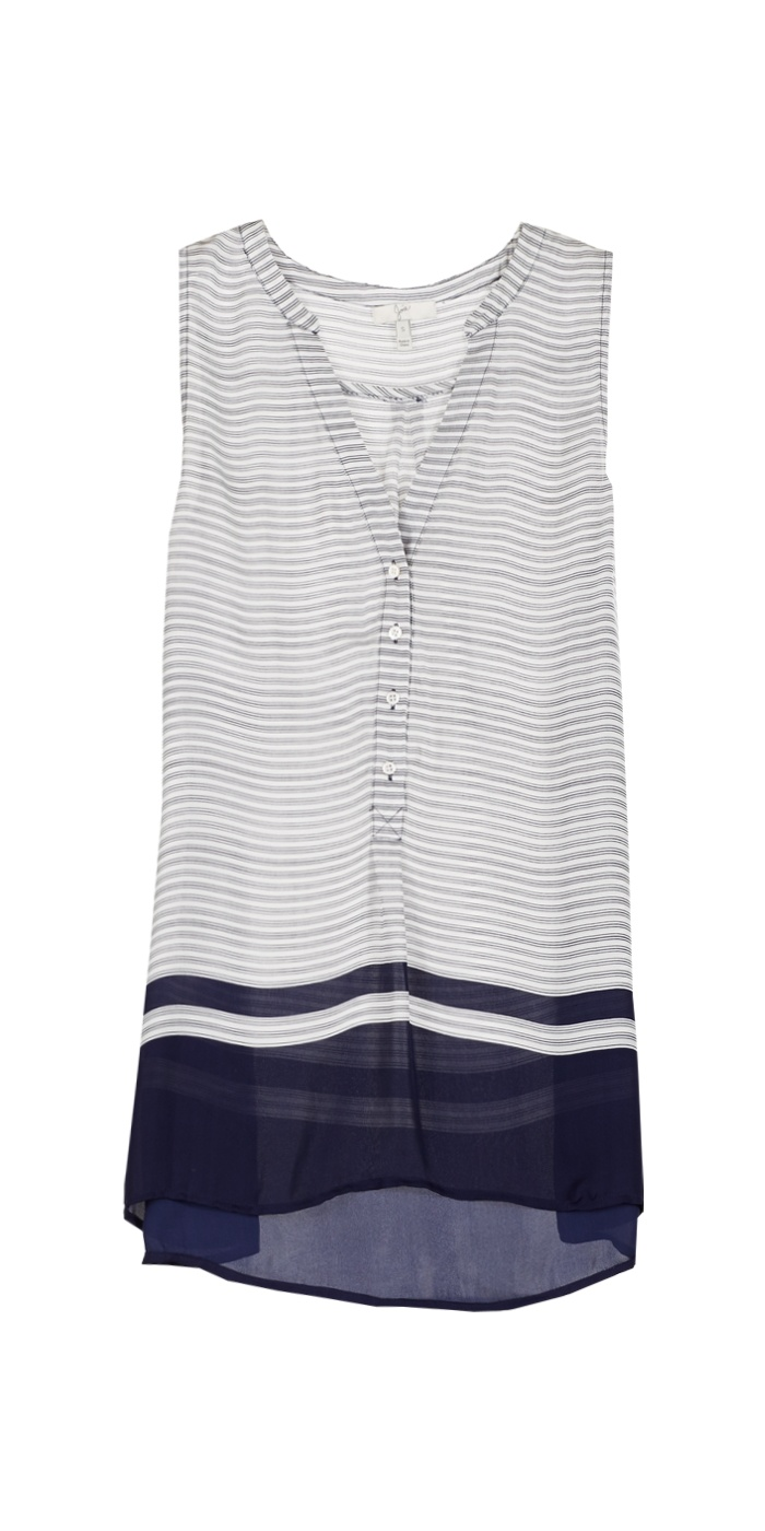 The airiness of this tunic really appeals to me.  I'm also attracted to the simple lines and coloration..