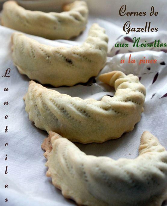 gateau algerien cornes de gazelle aux noisettes 1