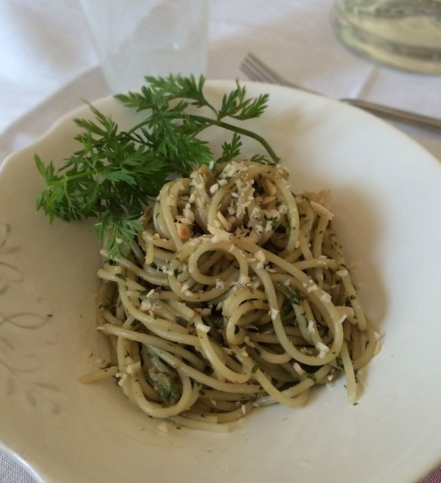 Spaghetti di Riso e Quinoa con Pesto di Foglie di Carota