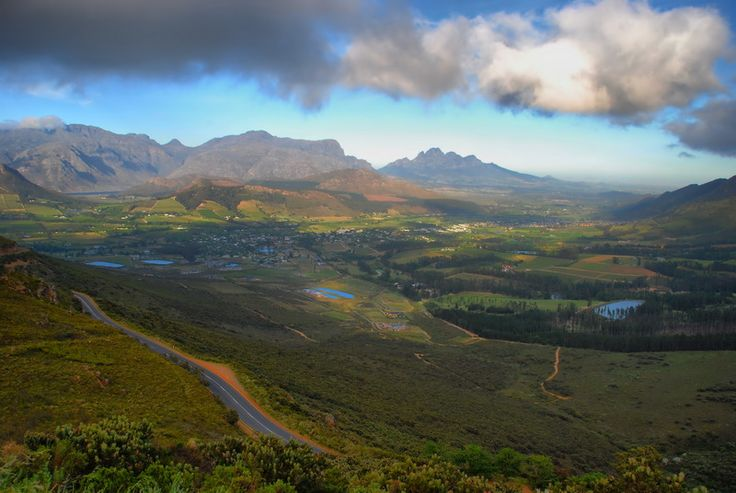 A view from the Fransshoek Pass, South Africa.