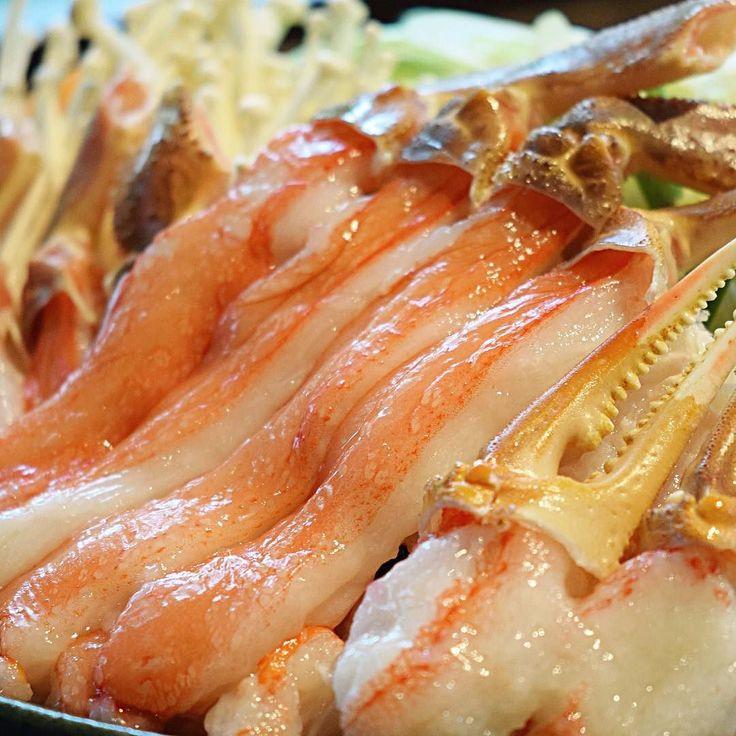 [NEWMENU] now on sale  Snow crab Shabu-shabu hot pot  北大路のフラッグシップ蟹 新しいメニューが始まります  北海道産ずわい蟹のしゃぶしゃぶ鍋  本日より販売開始です #kaiseki #cuisine #kitaohji  #crab #snowcrab #hotpot #shabushabu #ズワイ蟹 #ずわい蟹 #蟹しゃぶ #しゃぶしゃぶ #japanesefood #japanesecuisine #instafood #foodpic #yum #yummy #thonglor #sukhumvit #bangkok #อาหารญ #dinner #authenticjapanesecuisine by takashi.kitahara