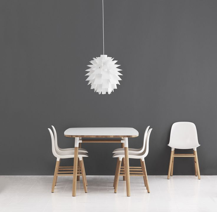 Beautiful crisp white surfaces combined with an oak frame for these Form chairs and table!