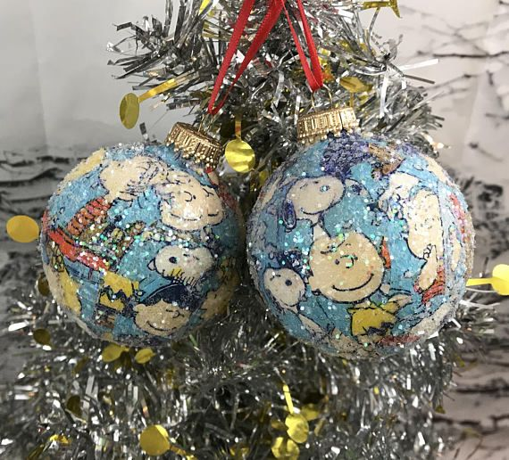 Set Of 2 Peanuts Gang, Charlie Brown, Snoopy, Glitter Book Glass Christmas Ball Ornaments. New, handcrafted. Beautiful Christmas decoration. Measurements are pictured.