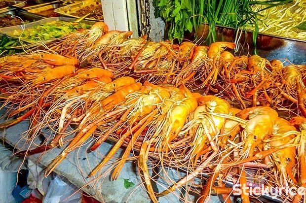Hoy vamos de compras por #Chatuchak, un gigantesco mercado en el corazón de #Bangkok! #mercado #thai #tailandia http://bangkok.stickyrice.co/mercado-fin-de-semana-de-chatuchak/ ตลาดนัดจตุจักร (Chatuchak Weekend Market) en พระนคร, กรุงเทพมหานคร