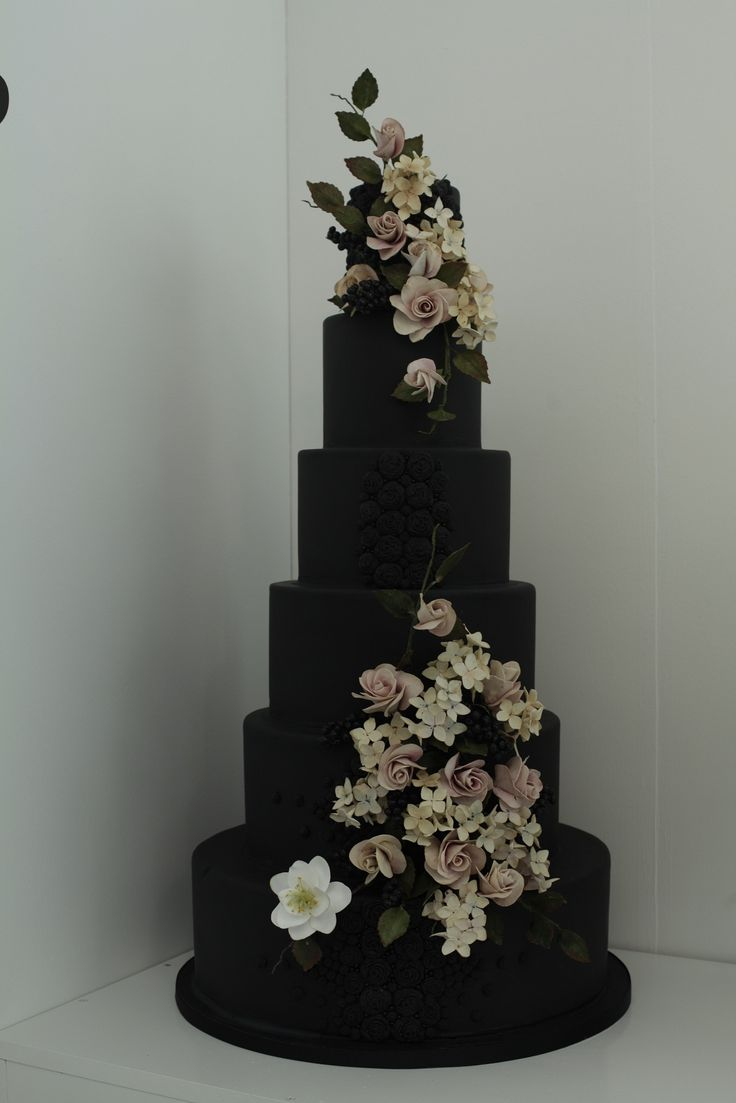 Best 20+ Gothic Wedding Cake Ideas On Pinterest