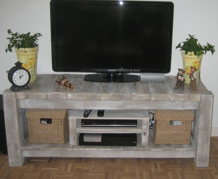 Wood / Pallet tv desk / table / dresser.                                                                                                                                                                                 More