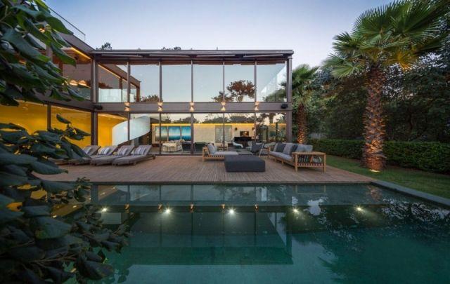 luxus villa mit pool terrasse möbel verglasung-limantos fernanda-marques
