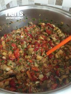 Kışlık Közlenmiş Patlıcanlı Ve Kırmızı Biberli Konserve Sos
