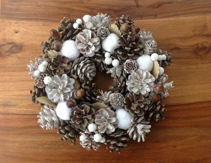 Couronne de table noel,décoration de table,pommes de pin et glands fêtes de fin d'année : Accessoires de maison par a-vous-les-cartes