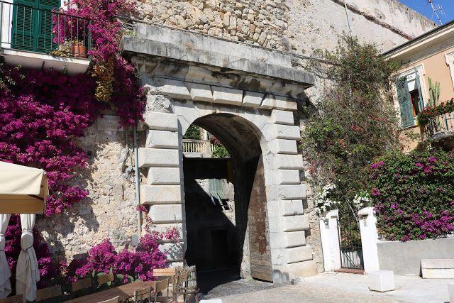 Ventimiglia (IM) - Porta Nizza