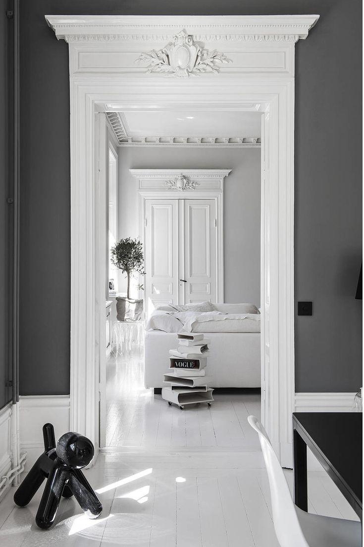 La rénovation d'un appartement ancien en design noir et blanc