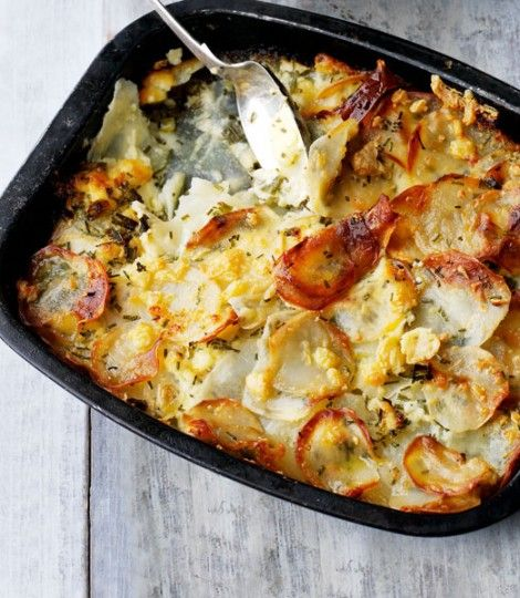 Potato,-cheese-and-onion-gratin