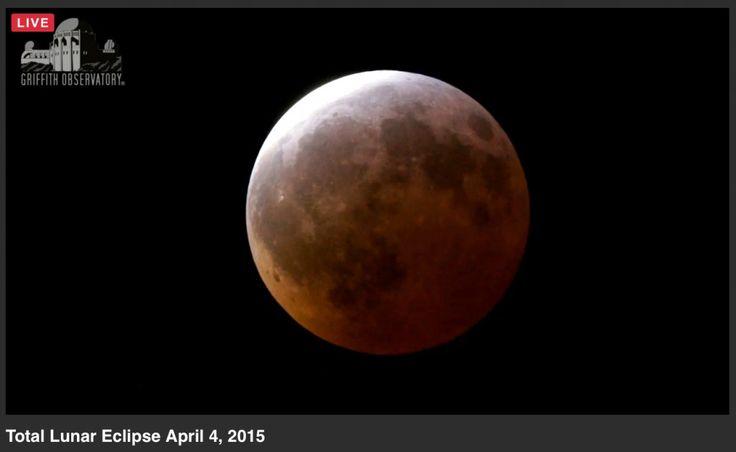 Plusieurs observatoires et structures astronomiques prévoient de diffuser en direct les images de l'éclipse totale de lune qui se produit durant la nuit du dimanche 27 au lundi 28 septembre. Voici quelques liens déjà disponibles, mais n'hési
