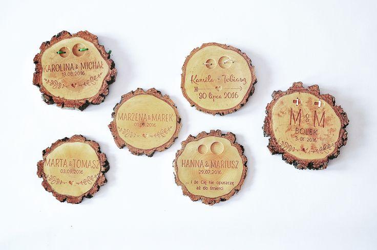 Oryginalna drewniana podkładka pod obrączki
