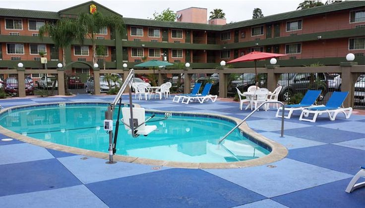Coupons, Savings and Discounts in the San Gabriel Valley - www.thecouponflyer.com   -  Super 8 Hotel in Pasadena Ca.